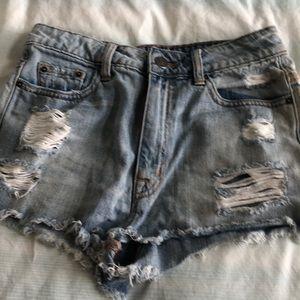 BDG Distressed Jean Shorts Size 27